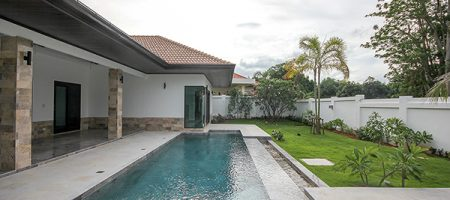 Beautiful Pool Villa at Pranburi for Sale (10949)