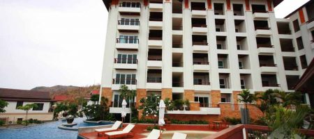 Beautiful Condominium with Sea View (20168)