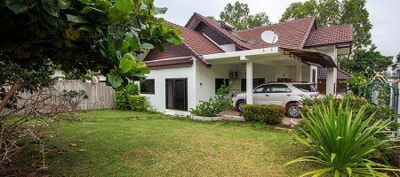 Beautiful Bungalow For Sale (11150)