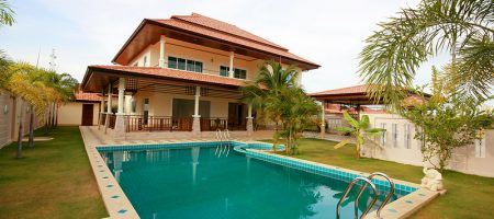 Luxurious House at Soi 94 for Sale (10404)