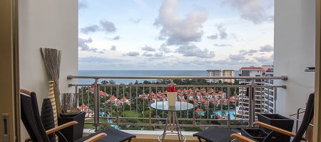 Beautiful Condominium with Pool View for Sale (20689)