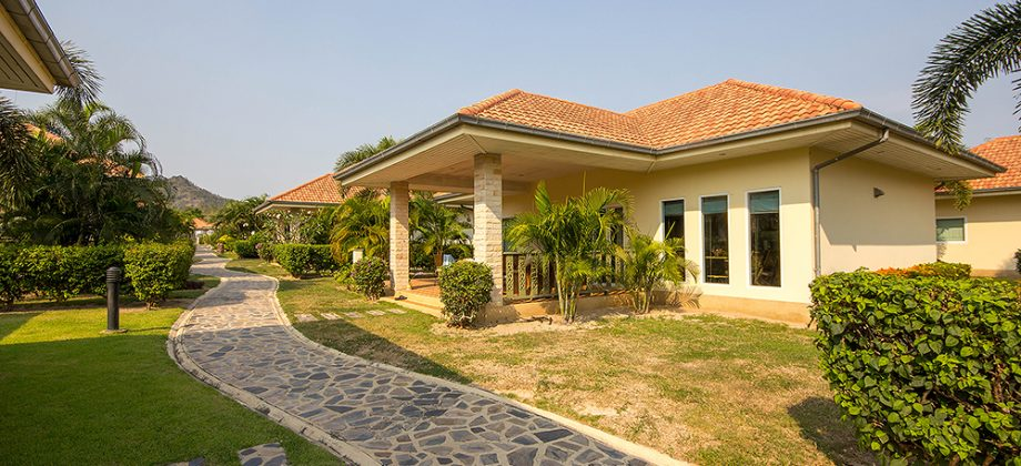 Pineapple Village House for Sale (11225)