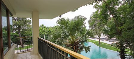 Beach Front Unit with a Great View (20470)