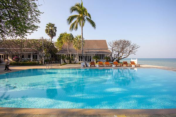 Villa near Beach for Sale (10715)