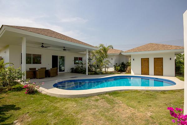 Beautiful Pool Villa for Sale (10712)
