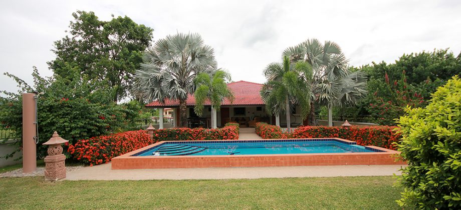 Beautiful Pool Villa for Sale (10865)