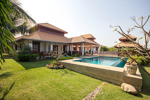 Luxurious Home (10743)