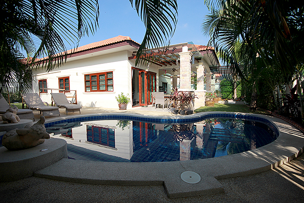 Beautiful Bungalow for Sale (11000)