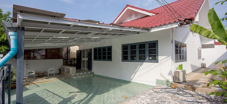Bungalow in Hua Hin Town for Sale (11189)