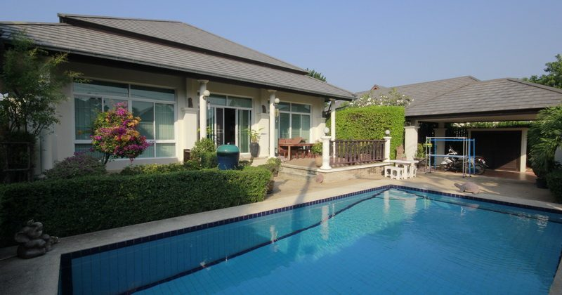 Cozy Villa for Sale (10853)