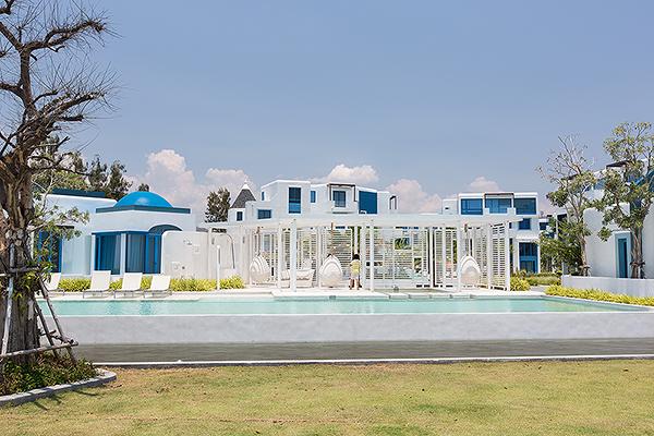 Beach Front Villa at The Crest Santora Hua Hin (10970)