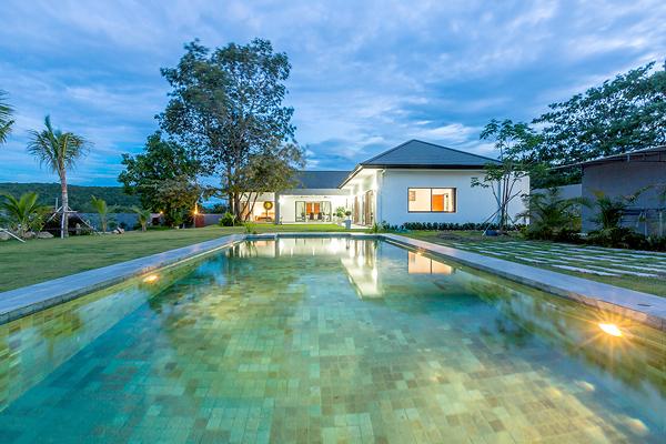 Luxury House Near Black Mountain Golf Course (10801)