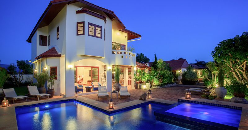 Luxurious House with Private Pool Soi 94 (11299)