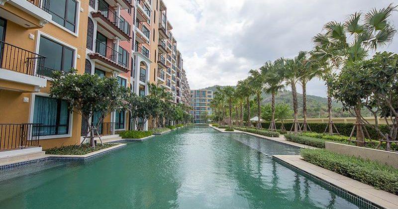 Condominium on Beach for Sale (20598)