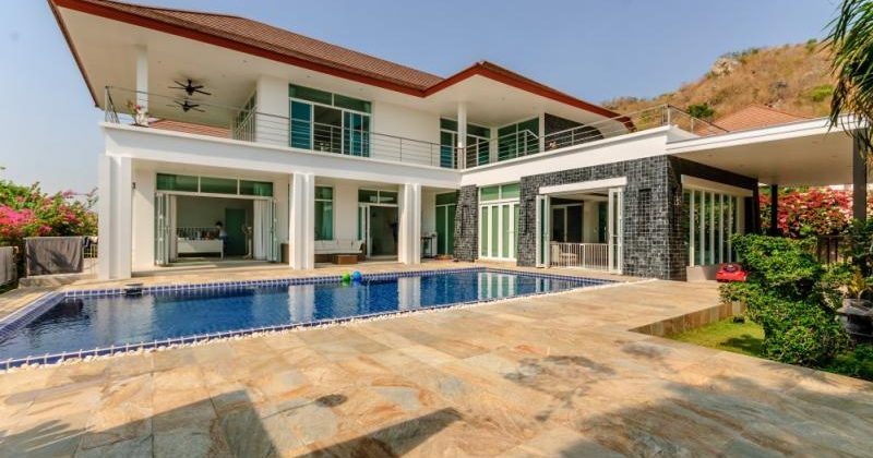 5 Bed 2 Storey Pool Villa with Sea Views (11332)