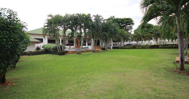 Beautiful Pool Villa on 1 Rai of Land for Sale (11345)