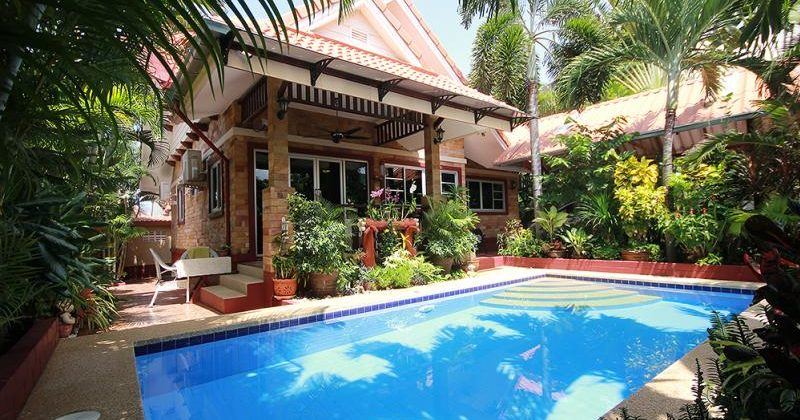 Beautiful Pool House for Sale Hua Hin Soi 56 (11324)