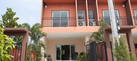 Townhouse for Rent at Soi 102 (30482)
