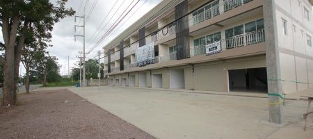 Beautiful 3 Storey Town Home For Sale Hua Hin Soi 70 (11351)