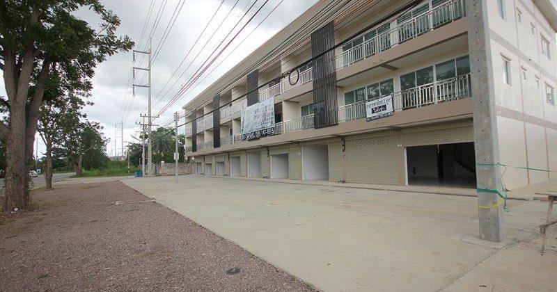 Beautiful 3 Storey Town Home For Sale Hua Hin Soi 70 (11351)