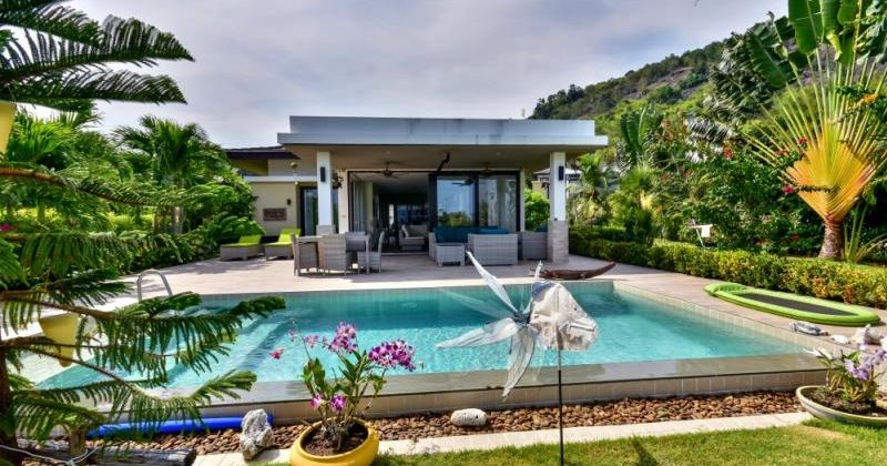 Lovely 3 Bed Pool Villa with Sea and Mountain Views (11334)