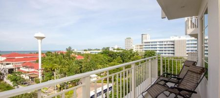 Condominium on Takiab Beach for Rent (40403)