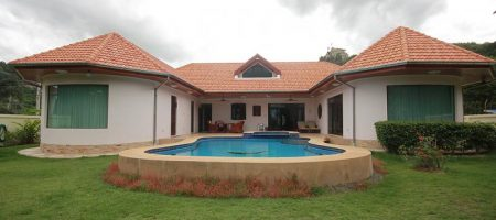 Luxurious Pool Villa in Town For Sale (11307)