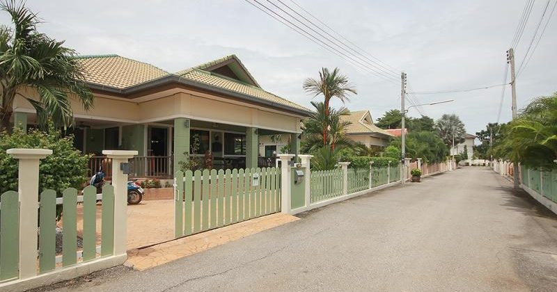 Beautiful Villa for Sale Hua Hin Soi 126 (11349)
