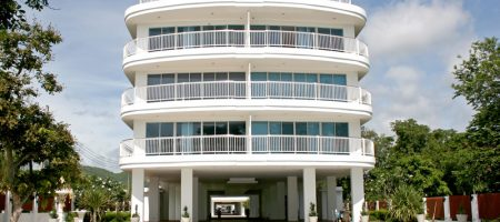 Beautiful Condominium On the Beach for Rent  (40326)