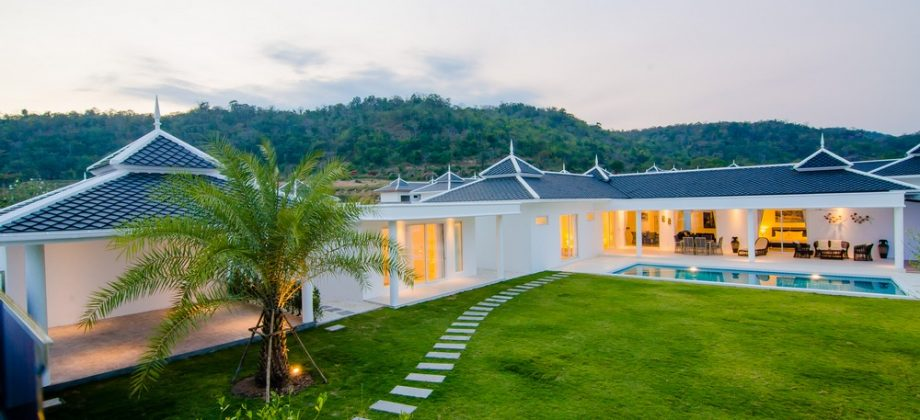 Exclusive Bungalow For Sale (11330)