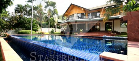 Beautiful Pool Villa on Golf Course (30359)