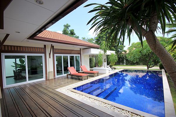 Magnificent Pool Villa For Rent (30459)