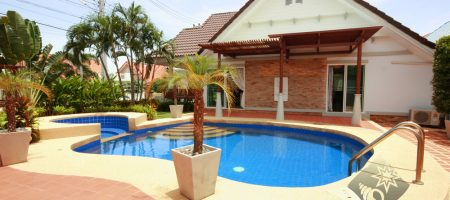 Beautiful Home with Private Swimming Pool  (30270)