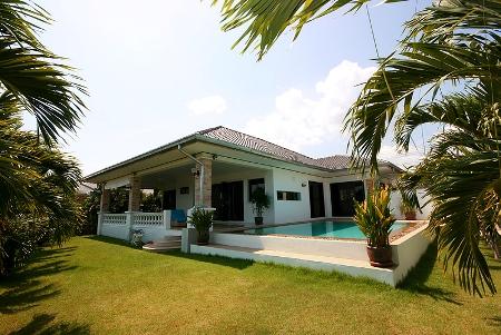 Beautiful Pool Villa for Rent (30497)