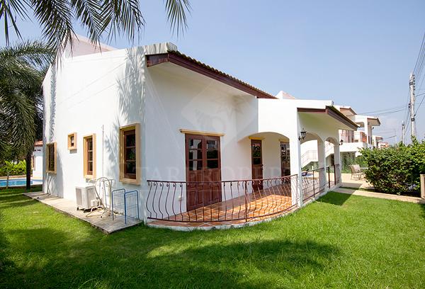 Spanish Villa For Rent (30471)