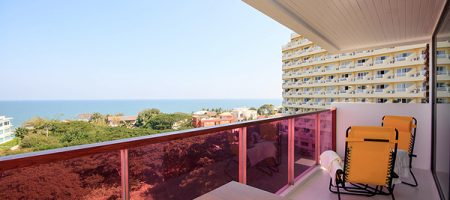 Beautiful Condominium with Sea View for Rent (40290)