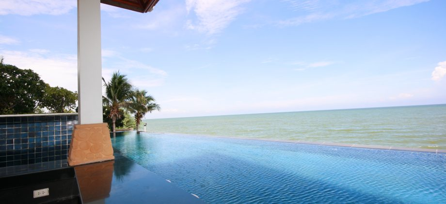Condominium in Hua Hin for Sale (20716)