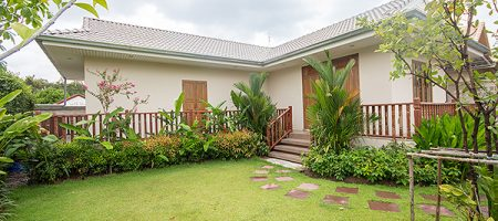 Beautiful Villa in Hua Hin for Rent (30583)
