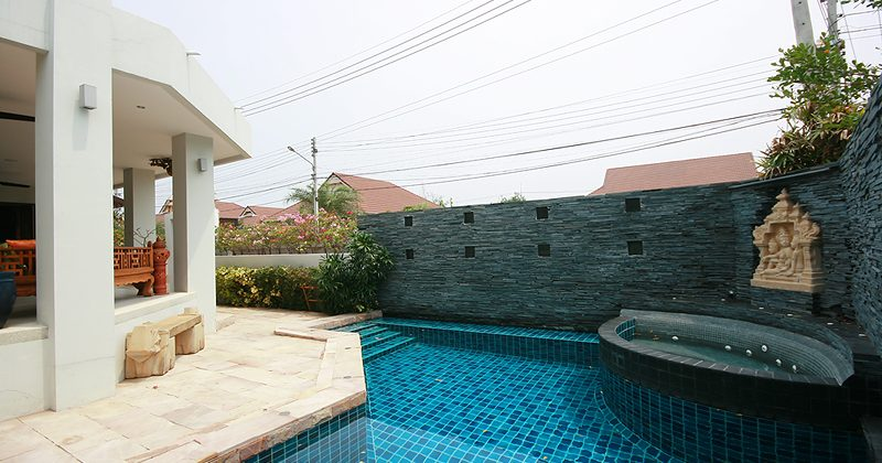 Luxurious Pool Villa for Rent (30498)