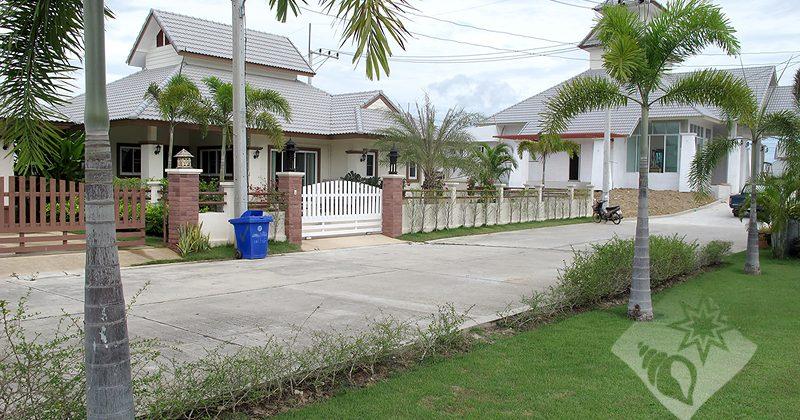 Emerald Resort  (30330)