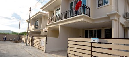 Townhouse for Rent at Soi 94 (30484)