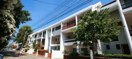 Beautiful 3 Storey Home Near the Beach (30259)