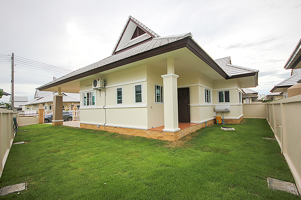 Beautiful Bungalow For Rent (30595)