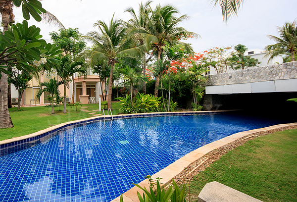 Beautiful Pool Villa for Rent (30521)