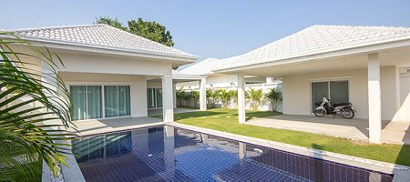 Bungalow at Avenue Gold Soi 88 For Rent (30609)