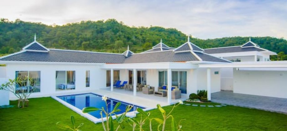 Beautiful Pool Villa For Sale (11335)