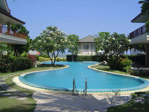 Condominium on Cha Am Beach for Rent (40459)