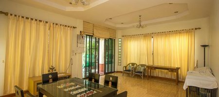 House in Town for Rent at Soi 47 (30659)