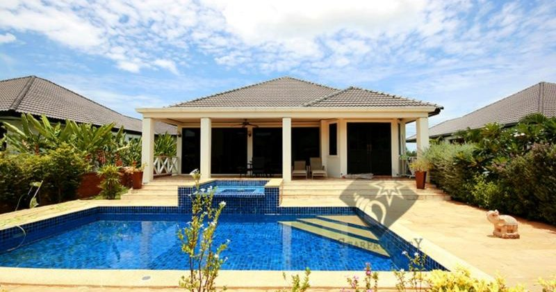 Pool Villa at Laguna Soi 102 for Rent (30145)