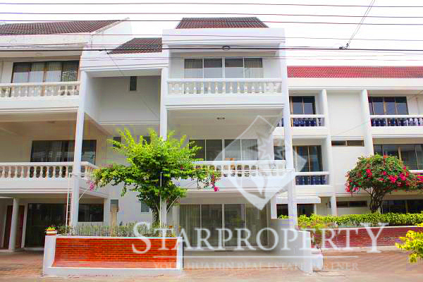Townhouse with Access to the Beach (30533)